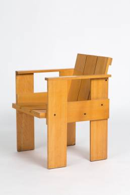 Gerrit Rietveld crate chair cassina