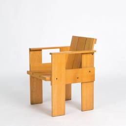 Gerrit Rietveld crate chair cassina