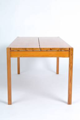 Tapiovaara Hongisto Laukaan Puu Oy table set